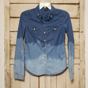 Wet Seal Hand Bleached Small Pearl Snap Top